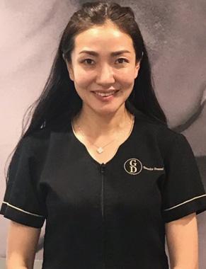 <h3>Dr Kathy Yu</h3><h4>Dentist</h4>